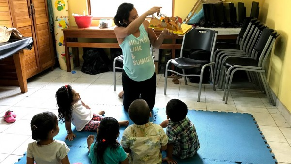 bibliotheca-nosara-braunandstone-young-kids